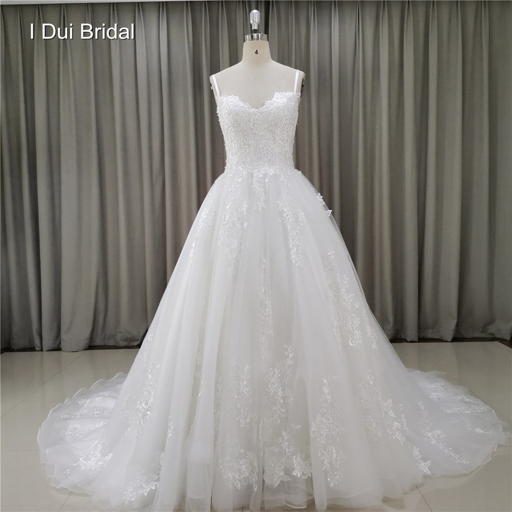 Spaghetti Strap Lace Appliqued Wedding Dress Factory Custom Made Bridal Gown