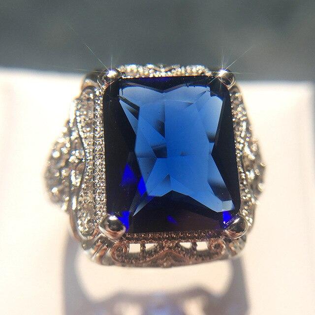 Фото женское винтажное кольцо из серебра 2019 пробы с синим цирконом цена