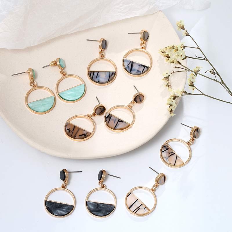 H1c05560250f1441eae580b517ba1f36dk - Charm Hollow Geometric Pendant Earrings