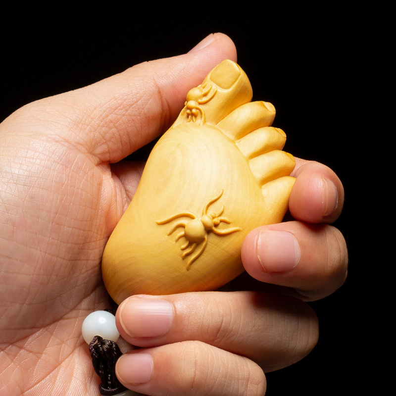 Small Feet Lucky Boxwood Creative Solid Wood Chinese Statue Hand Toy Wood Carving Crafts