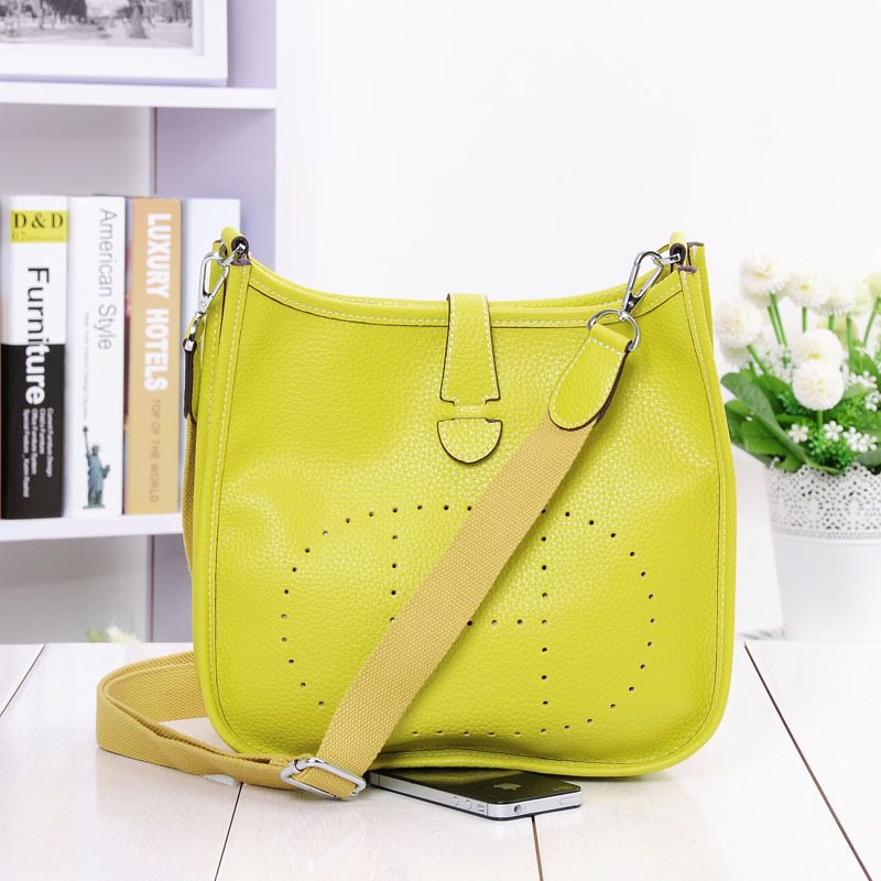 Image 2 - HOT New Fashion Women Genuine Leather Bags Ladies Messenger Shoulder Bag Luxury Famous Brand Handbag Crossbody Bags For Women-in Shoulder Bags from Luggage & Bags
