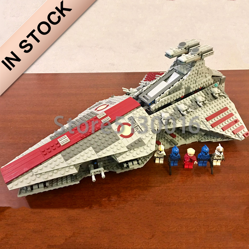 In Stock 05042 Star Series Wars The Venator-class Republic Attack Cruiser 1170Pcs Model Building Blocks 8039 81044