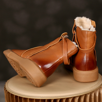 Ciepłe buty śniegowe futrzane damskie oryginalne skórzane czarne brązowe modne pluszowe buty na zimę damskie buty mieszkania botki damskie buty tanie i dobre opinie ZOGEER CN (pochodzenie) Prawdziwej skóry Skóra bydlęca Połowy łydki ROME Stałe ZG7M90637 Dla dorosłych Mieszkanie z