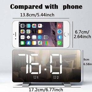 Image 3 - الرقمية LED ساعة تنبيه مرآة متعددة الوظائف غفوة الوقت عرض قابل للتعديل الإضاءة راديو FM ساعة الطاولة الوقت ساعة مكتب الذاكرة
