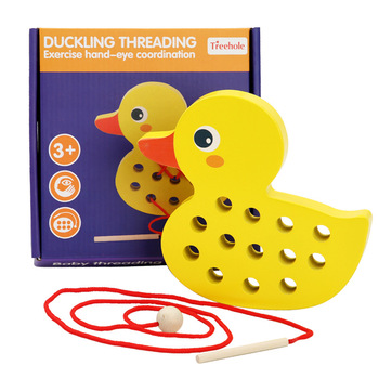 Children's wooden toy little yellow duck and whale threading board, rope puzzle game, DIY threading boy girl little whale