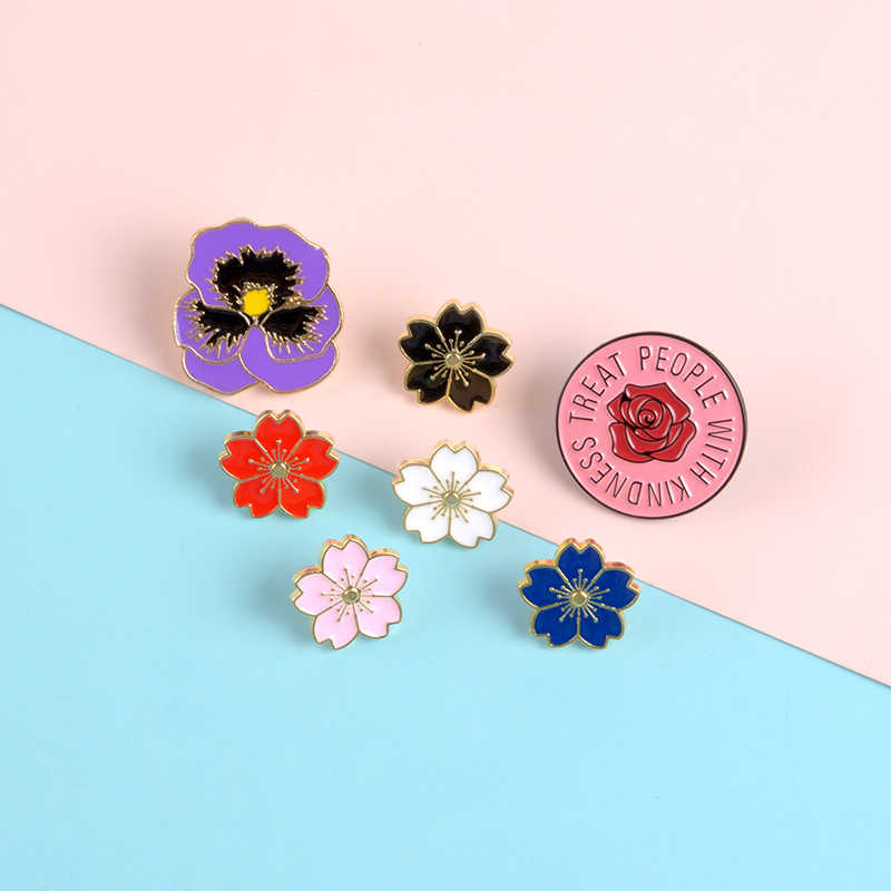 Bunga Berwarna-warni Enamel Pin Merah Yang Indah Hitam Putih Bunga Bros Tanaman Kerah Pin Lencana Pakaian Ransel Wanita Perhiasan Hadiah