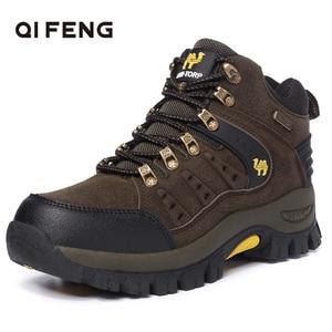 Image 1 - 2019 커플 야외 산 사막 등산 신발. 남성 여성 발목 하이킹 부츠, 플러스 사이즈 패션 클래식 트레킹 신발