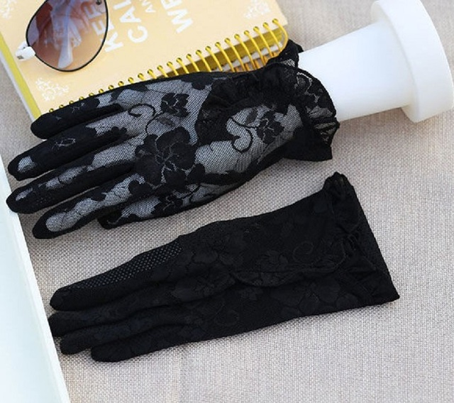 Fashion Sexy Lace Touch Screen Gloves Summer Sunscreen Ladies Anti-UV Driving Anti-Skid Cycling Lace Lotus Leaf Gloves 6