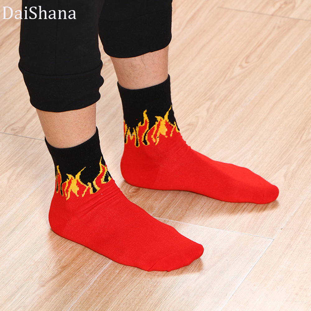 DaiShana Unisex Flame Red And WHITE Fire Sokken Novelty Hip Hop Harajuku Socks Skateboard Calceines Mujer Street Skarpetki Socks