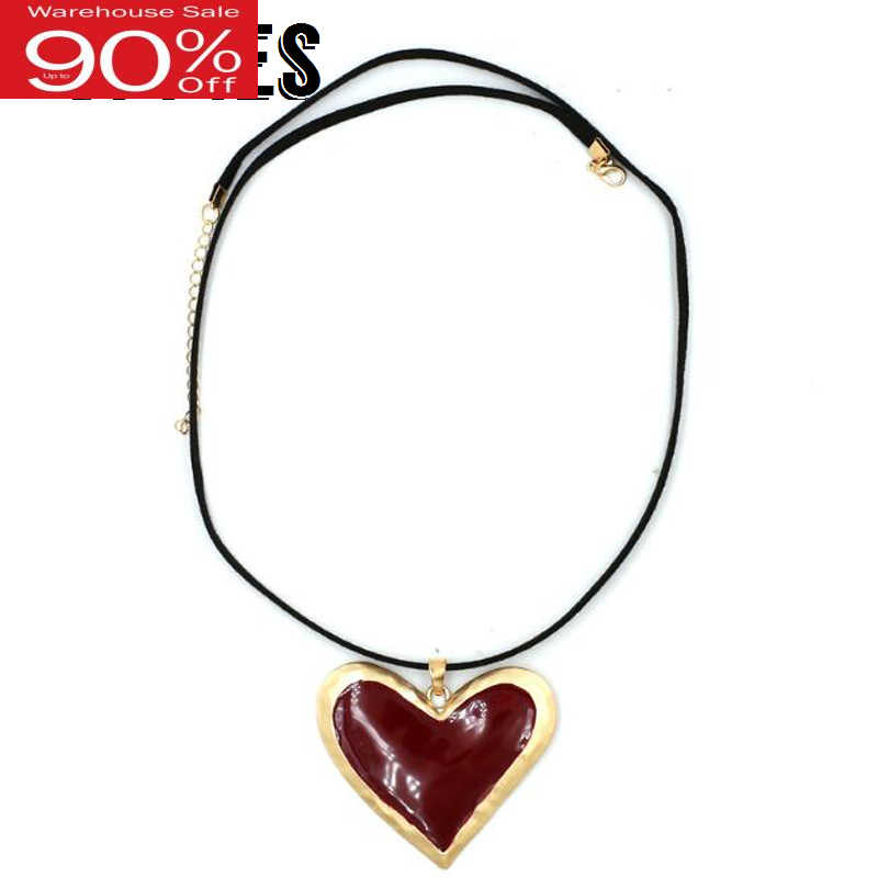 Women Heart-shaped Pendant Necklace Statement Gold Alloy Necklaces Lady Fashion Accessories