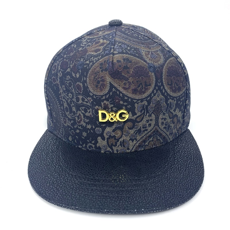 Men's Metal Letters Decorated Flat-Brimmed Baseball Cap Men's And Women's Universal Duck Tongue Cap Outdoor Play Youth Dad Cap