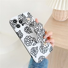 Fashion Luxury Flower Wristband Bracket Girl Soft Case For Iphone 11 12 Pro Max Mini 7 8 Plus Xr X Xs Se 2020 Phone Cover Fundas