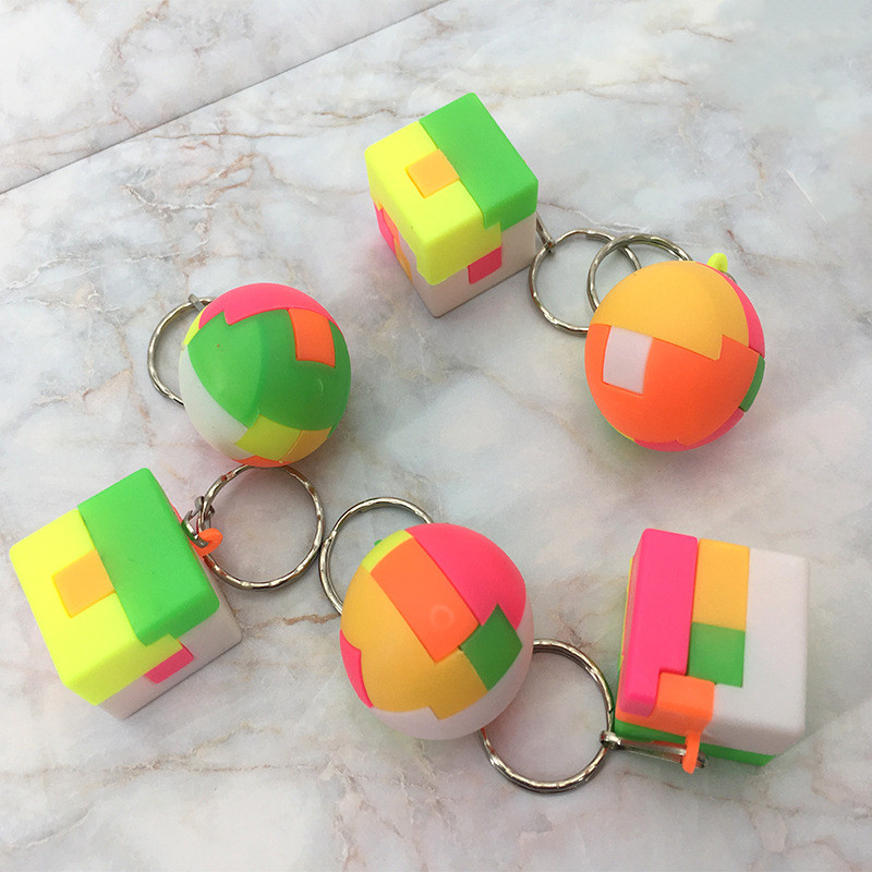 1pcs Puzzle Assembling Ball Education Toy Key Chain Children Gift Creative Plastic Mini Multi-color Ball Puzzle Toy