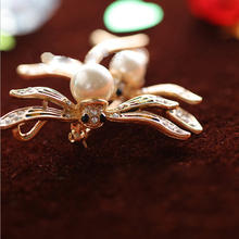 Dragonfly Shaped Brooches Pins Women Girls Colorful Crystal Insect Alloy Collar Brooch As Gifts
