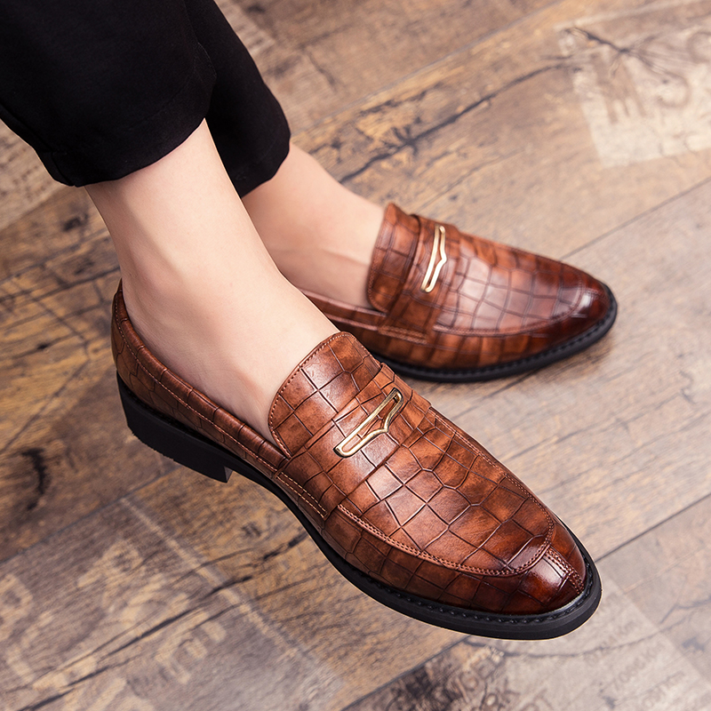 Fashion Pointed Toe Dress Shoes Slip On Men Leopard Loafers Patent Leather Shoes For Men Formal Party Mariage Wedding Club Shoes
