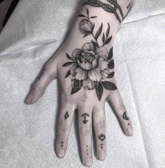זמני קעקוע עמיד למים יד מזויף קעקוע מדבקת גולגולת ראש שן ליל כל הקדושים קעקועים Tatouage Tatto לגברים נשים ילדה למבוגרים