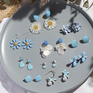 2020 Korean Blue Geometric Flower Pendant Earrings Multiple Drop Earrings Trendy Floral Resin Acrylic Raffia Dangle Earrings