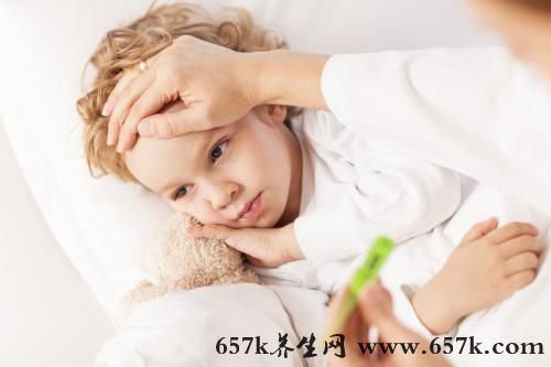 孩子发烧怎么办 这样擦拭身体可以降低温度