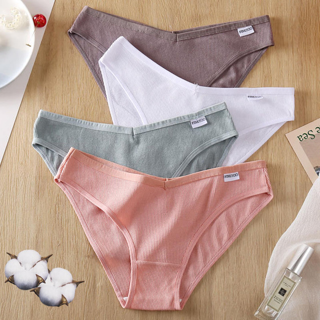 3  Pairs of Cotton Bikini Panties With V-Front 4