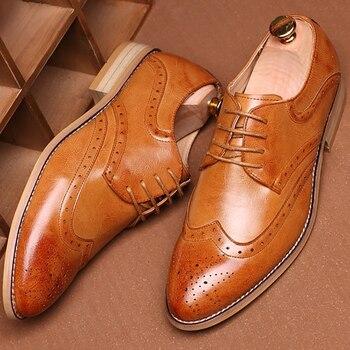 Marca Brogue amarillo Negro hombres zapatos de vestir de negocios puntiagudos zapatos de boda de los hombres zapatos formales de cuero genuino hombre Casual pisos