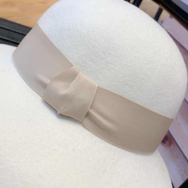 클래식 화이트 펠트 겨울 모자 따뜻한 Cloche 양모 모자 리본 Bowknot 플로피 브림 더비 웨딩 교회 페도라 모자 숙녀 드레스 모자