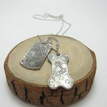 Moda europeia e americana prata cinza crânio ossos do exército marca saturno colar