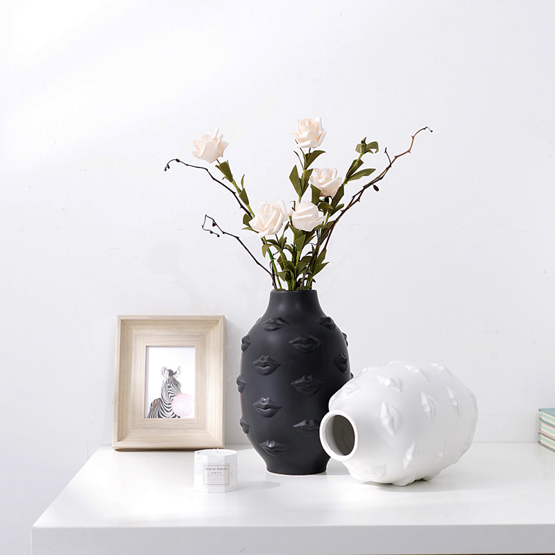 Creative Sexy Lips White Black Gold Ceramic Vase Decorative Crafts Flower Vases Hydroponic Dried Flowers For Home Wedding Decor