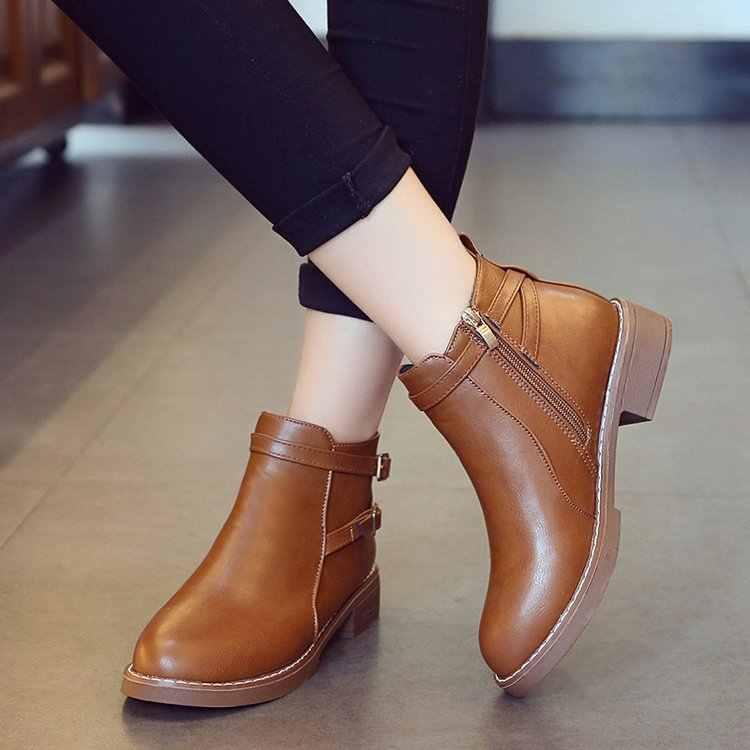 Vrouwen Enkel Korte Laarzen 2019 Herfst Vrouwelijke Casual Schoenen Vrouw Platte Mode Platform Ronde Neus Gesp Solid Comfortabele