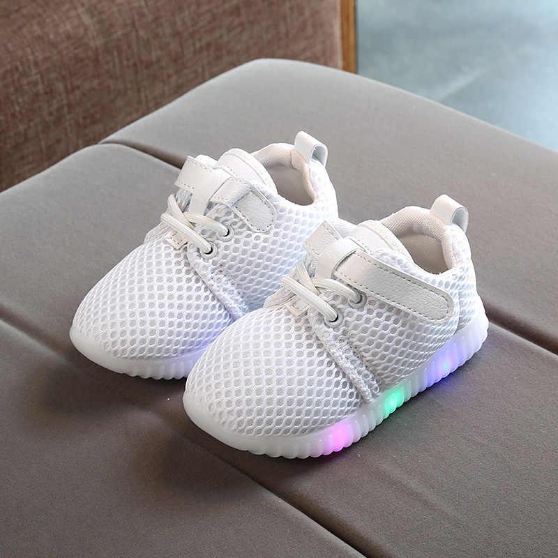 פעוט ילדי תינוק ילד ילדה סניקרס הזוהר אור הזוהר עד מוקסין נעלי ספורט LED אנטי להחליק נעליים