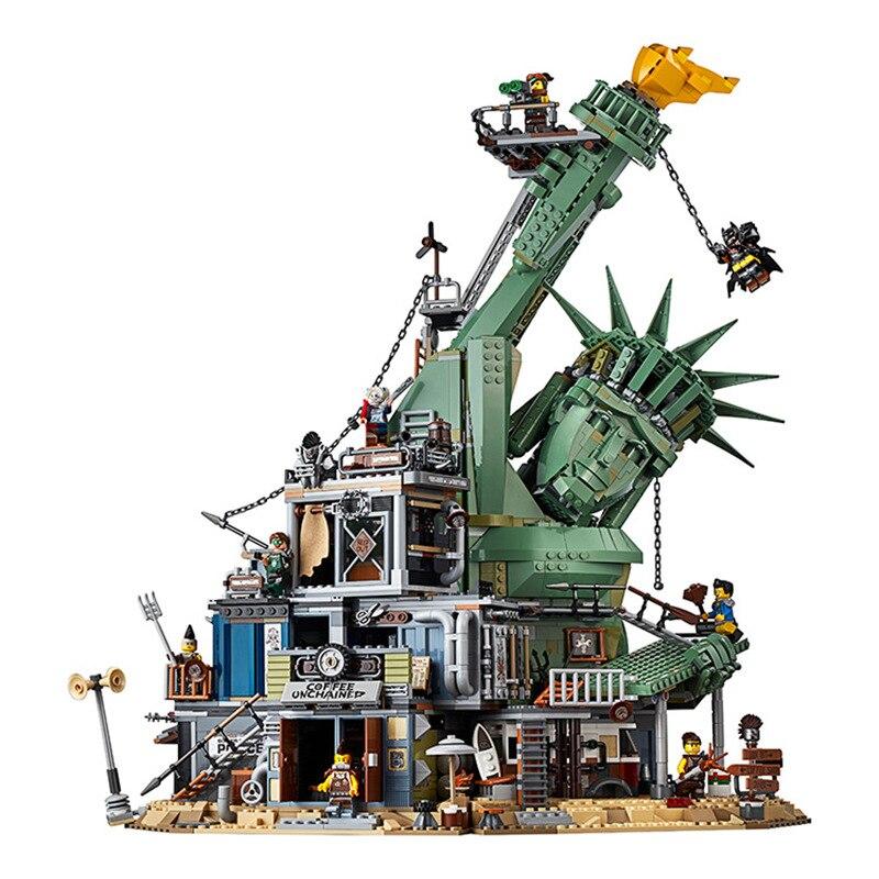2019 ภาพยนตร์ขนาดใหญ่ 2 Led light ยินดีต้อนรับสู่ APOCALYPSEBURG Building Blocks ชุดอิฐชุดคลาสสิก 70840 ชุดของเล่นเข้ากันได้กับ Legoings-ใน บล็อก จาก ของเล่นและงานอดิเรก บน   1