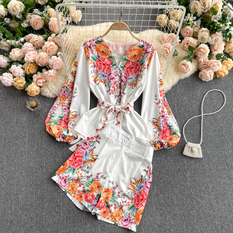 Full Garden Spring Collection 2021 Spring Explosive Set Two-piece Palace Style Puff Sleeve Shirt + Wide Leg Shorts