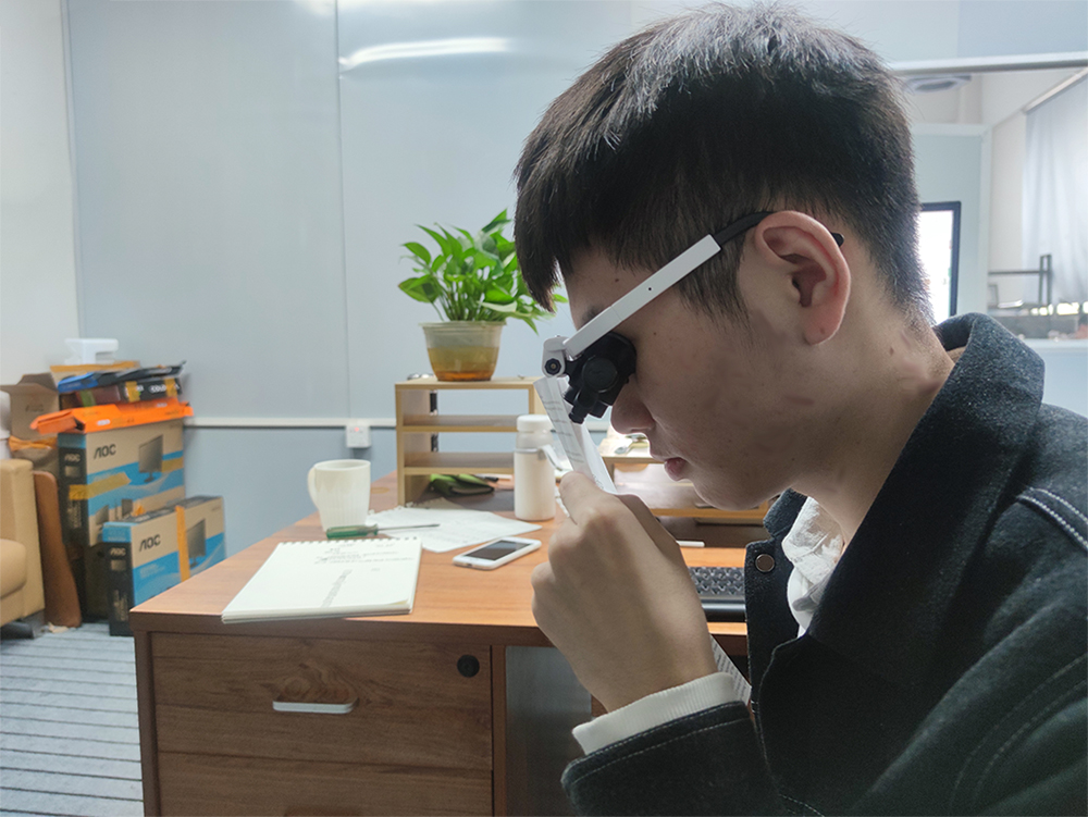LED Magnifying Glasses