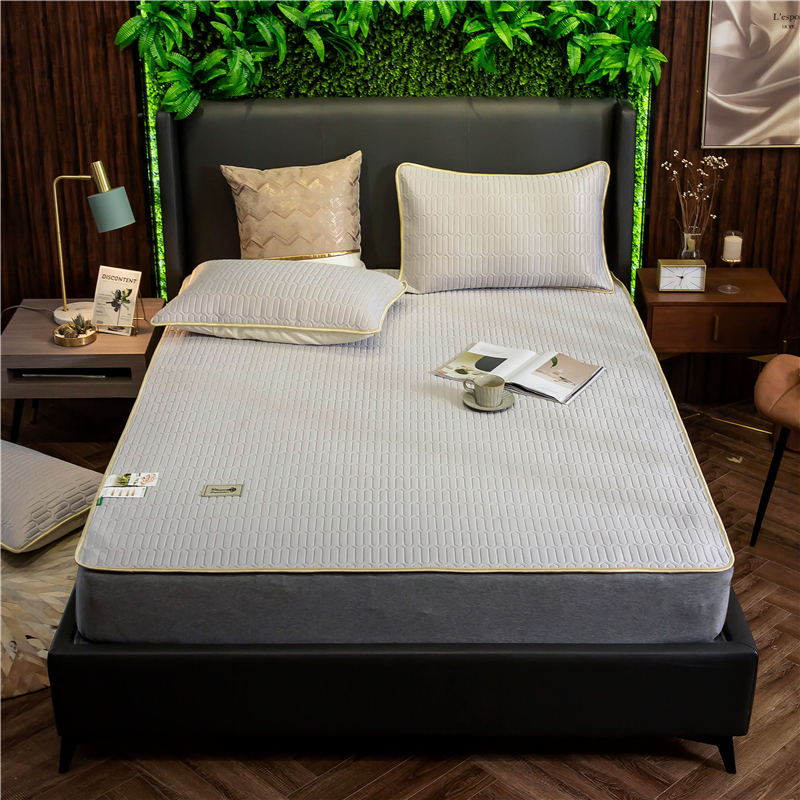 New Fashion Summer Latex Mattress Home Dormitory Ice Silk Mattress Foldable Single Person Double Bed Mattress Pad Free Delivery