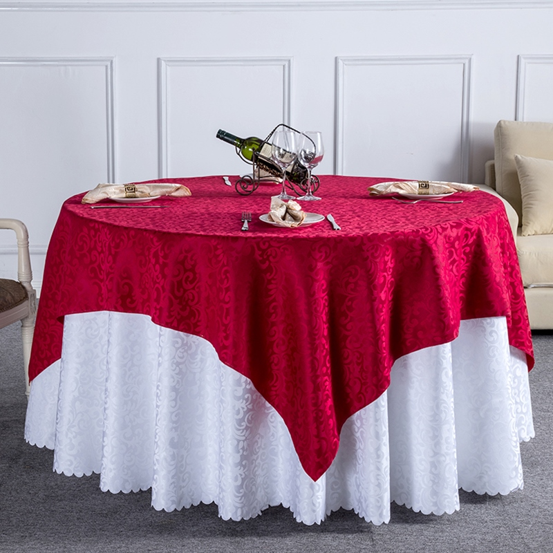 Rectangle Tablecloths on round tables 1