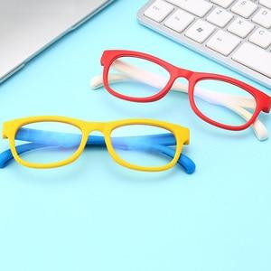 Image 3 - 2020 blau Licht Gläser Kinder Mode Junge Mädchen Blocking Computer Klar Transparent Brillen Optische TR90 Rahmen UV400