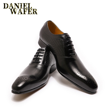 LUXURY MEN OXFORD SHOES GENUINE LEATHER PRINTS BROWN BLACK LACE UP POINTED TOE OFFICE WEDDING DRESS FORMAL OXFORD SHOES FOR MEN men dress shoes genuine leather men oxford shoes luxury brand flats wedding oxford lace up loafers bullock shoes chaussure homme