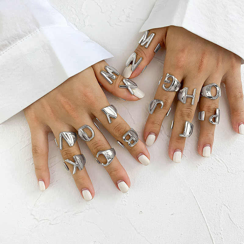 Srcoi prata cor metal 26 carta aberto oco dedo anéis 2019 vintage ajustável empilhamento largo chunky A-Z anel feminino jóias