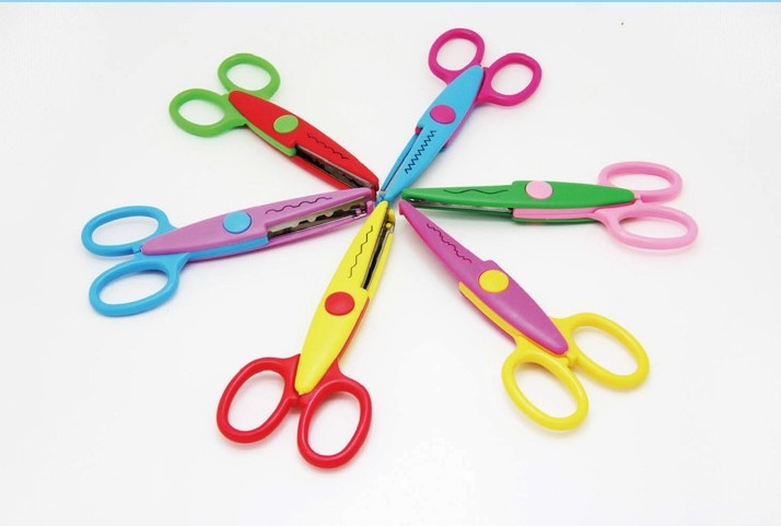Wholesale Handmade DIY Album Lace Scissors Photo Card Decorative Pattern Cut Cartoon Lace Scissors