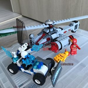 10844 Compatible Super Hero Batman series 76098 303+pcs/set Building Blocks Kids Toys For Children Gift