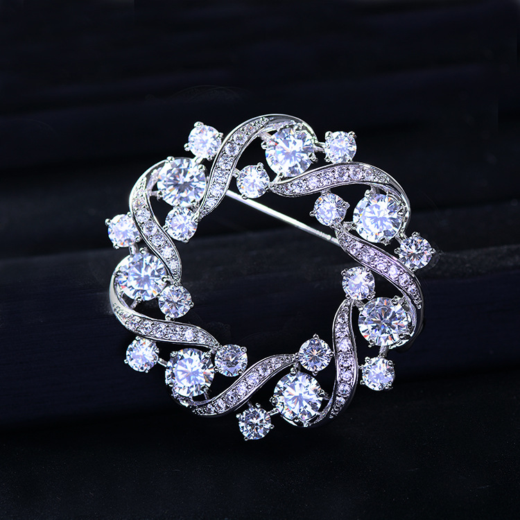Bad Gug Shiny Rhinestone Flower Brooches for Women Round Brooch Pin Vintage Fashion Jewelry Winter Accessories Zircon Brooche-0