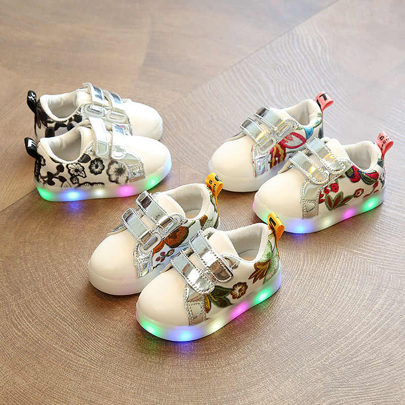 Children Glowing Sneakers with Light Shoes Luminous Sneakers for Boys Girls Luminous Sole White Leather with Flowers Printed