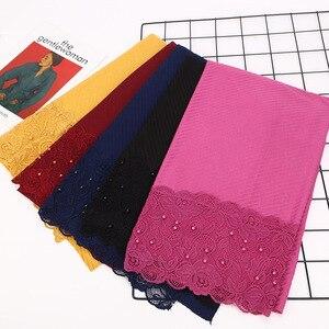 Image 4 - Foulard Floral en dentelle plissée, Hijab, châle, perles froissées, musulman, rouge, jaune, noir, blanc, écharpe de cheveux, nouvelle collection 2020