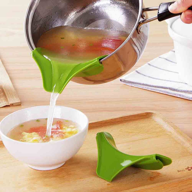 Creative Anti-spill Silicone Slip On Pour Soup Spout Funnel for Pots Pans and Bowls and Jars Kitchen Gadget Tools