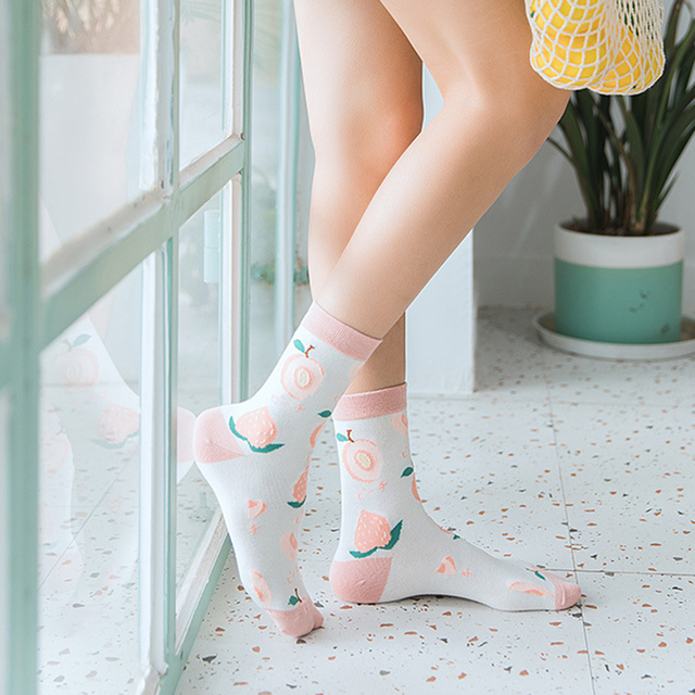 Cute Avocado Fruit Women Breathable Sweat Absorbent Cotton Middle Tube Socks