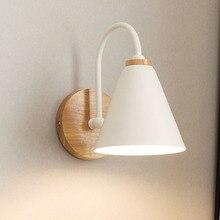 Lámpara de pared de hierro LED de madera, lámpara de pared de mesita de noche, candelabro sólido nórdico moderno para dormitorio, sala de estar, accesorio de iluminación, decoración de pared