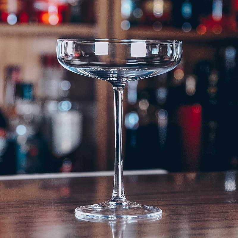 Il trasporto Libero 4PCS 130ml di trasporto del Nuovo Creativo Piatto Senza Piombo Bicchiere Da Cocktail Martini Vetro Set di 4