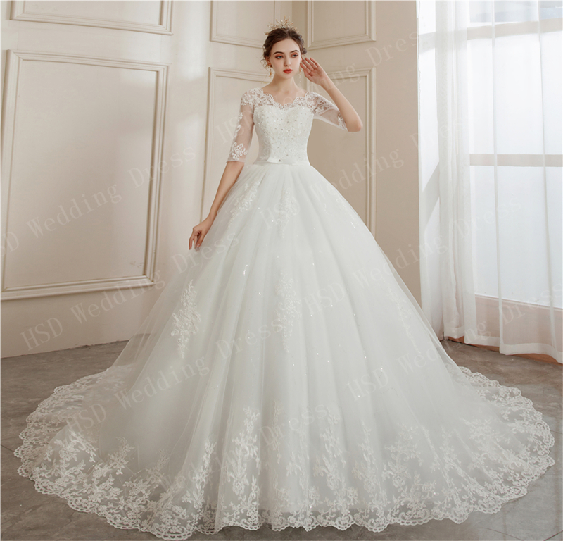 Brides Ball Gowns Lace Embroidery Half Sleeve Fashion Classic V Neck Wedding Dresses Sequined Simple Vestido De Noiva  Plus Size