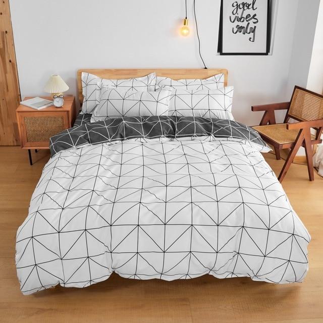 Simple Bedding Set White and Black Geometric 23