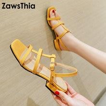 ZawsThia موضة صيف 2020 حذاء نسائي بكعب مربع منخفض أزرق أصفر من البولي يوريثان حذاء نسائي بأشرطة مفتوح من الأصابع مقاس كبير 48 49