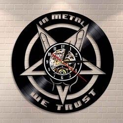 Em metal nós confiamos música citação rock mão relógio de parede rock e rolo de metal pesado música vinil registro relógio de parede presente para os amantes da música